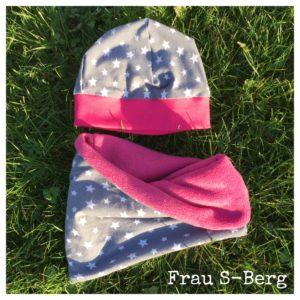 Mütze und Halssocke mit Sternen