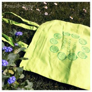 Tasche mit Tulpenstempeln