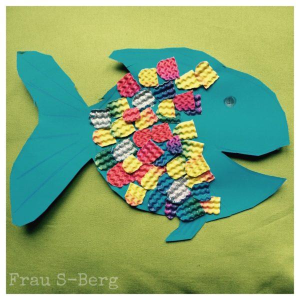 Regenbogenfisch aus Pappe